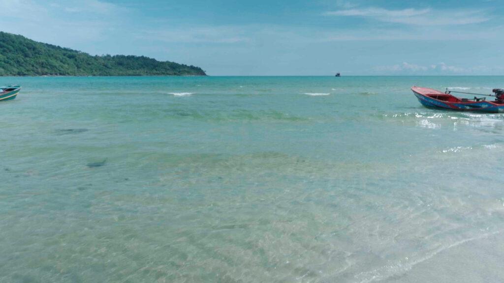 クート島の海